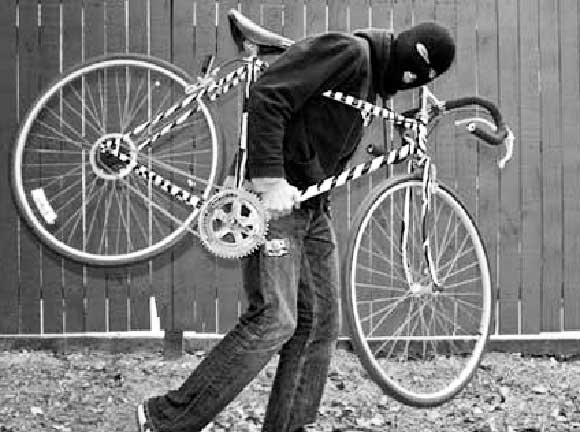 furto-biciclette-ladri