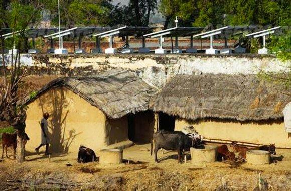 villaggio-di-Dharnai-energia-solare
