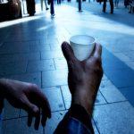 La povertà non va in vacanza neppure a Ferragosto