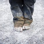 "Save the Children: ""La povertà discrimina 400 milioni di bambini"""