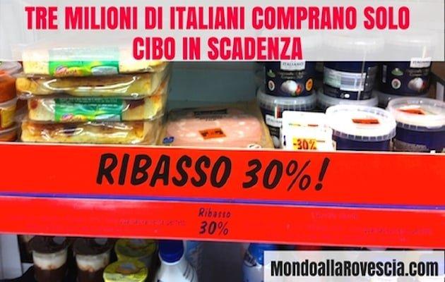 italiani comprano cibo in scadenza