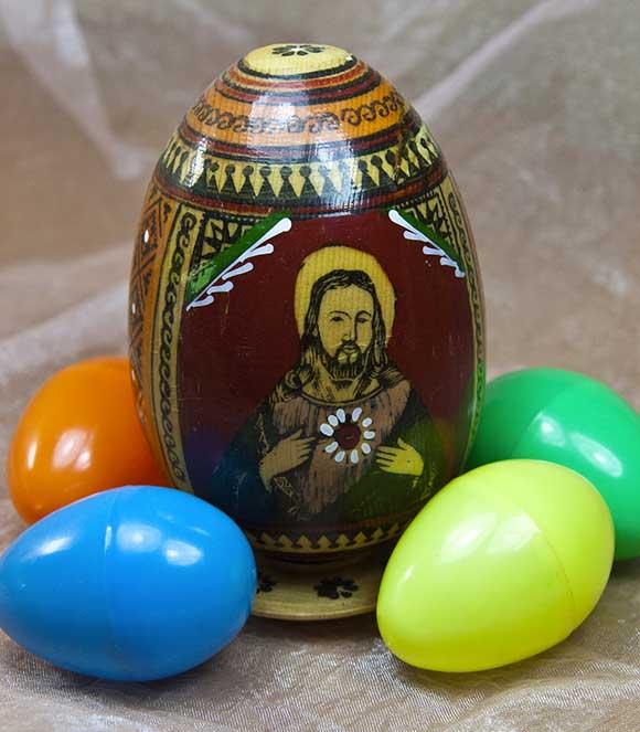 Gesù-Cristo-Pasqua-uova-risurrezione