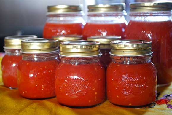 barattoli-conserva-pomodoro