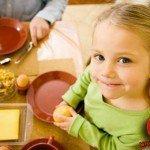 Dieci buoni consigli per l'alimentazione dei bambini