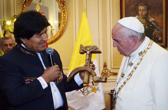 crocifisso falce martello-Evo Morales