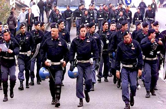 polizia disarmata