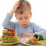 L'alimentazione degli adolescenti, dieci suggerimenti per uno stile di vita sano