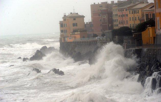 cementificazione Liguria costa
